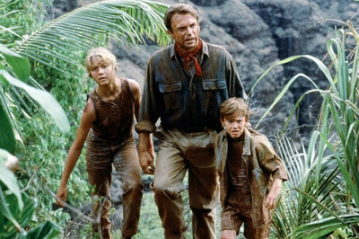 <i>Jurassic Park</i> as family film